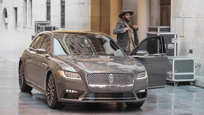 2017-Lincoln-Continental-Gary-Clark-Jr_L1390370-HI-RES